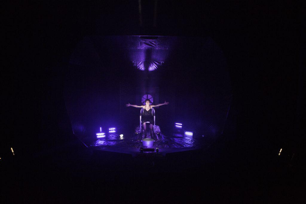 Una galaxia de luciérnagas - Teatro del Barrio